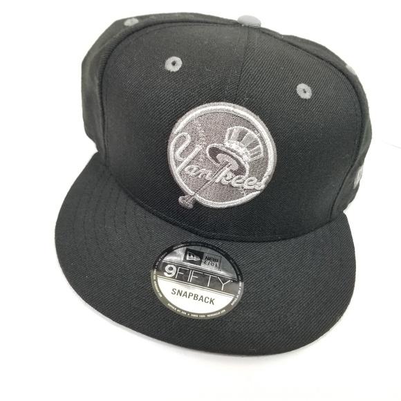 a2534a5ff5605 New york yankees new era snap back hat Crest logo. NWT